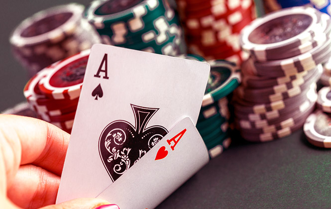 Aces in Hold'em and Omaha